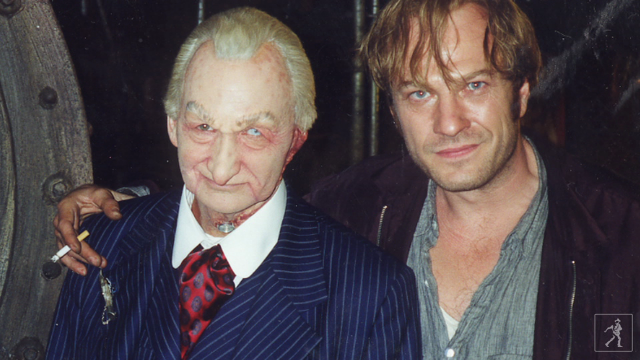 Behind the scenes. Englund as Gartley on the left; Ted Levine on the right.